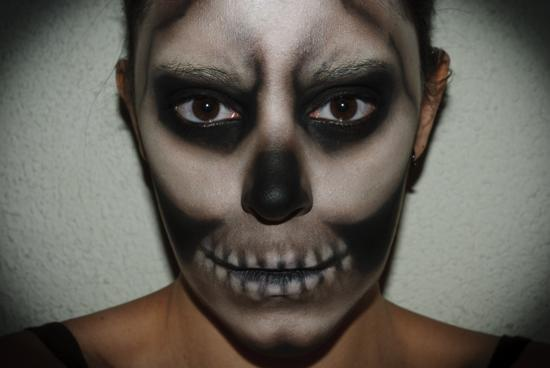 C mo maquillarse para halloween videotutoriales e - Como maquillarse de zombie ...
