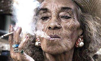 El cigarrillo afecta la piel, resultado de como puedes quedar en unos años