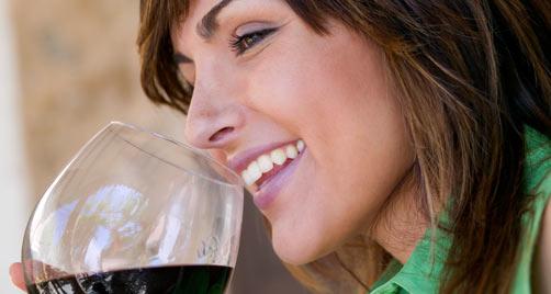 ¿Porqué el vino más caro sabe mejor?