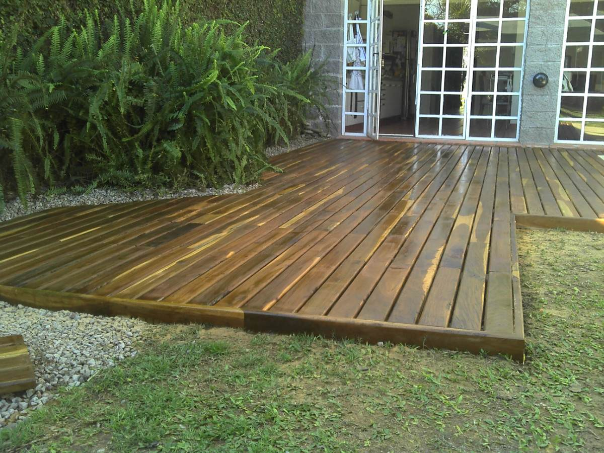 Ideas para instalar y mantener un deck desarrollo actual for Deck para exteriores