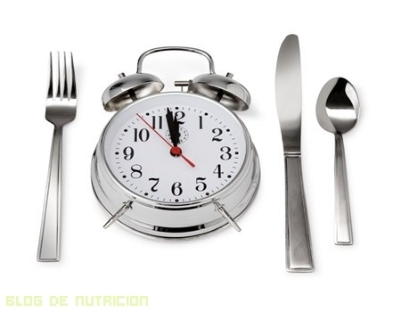Como influyen en la salud los horarios de las comidas