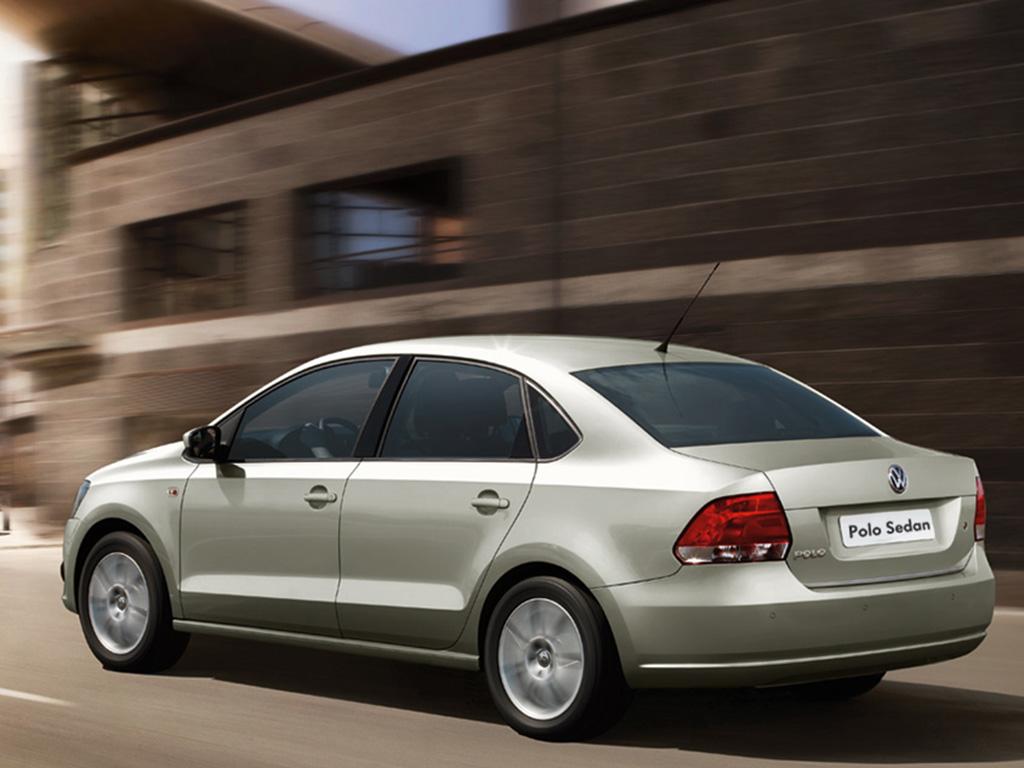 Volkswagen-Polo-Sedán-2015-3